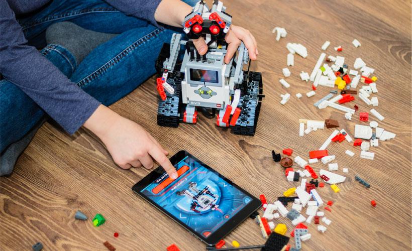 Lego's an Augmented Reality Kiosk